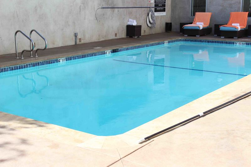 Hotel_Angeleno_LA_room_pool_7.JPG